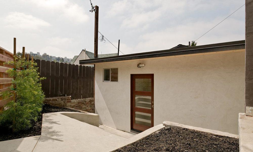 1240-Lilac-Pl-Los-Angeles-CA-print-022-Entrance-4000x2667-300dpi.jpg
