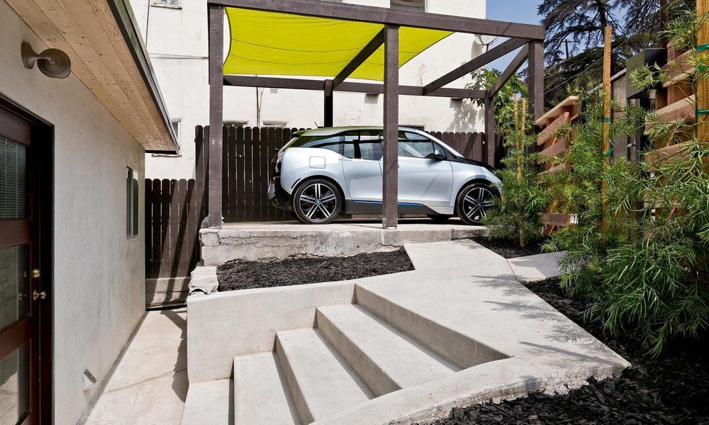 1240-Lilac-Pl-Los-Angeles-CA-print-023-EntranceWalkway-4000x2667-300dpi.jpg