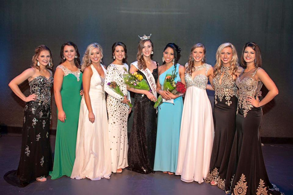 Mikayla Scharnhorst (center) with other finalists in the Miss Spokane 2016 pageant.