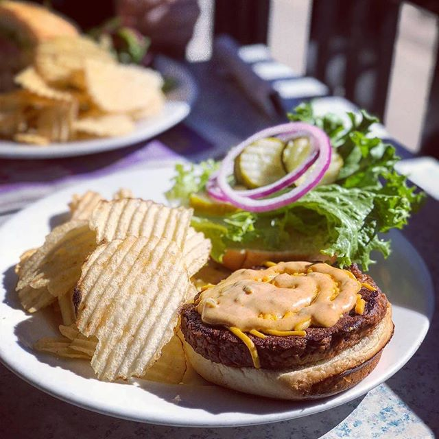 @Regrann from @theveganfoodreview - suns out, (hamburger) buns out ☀️not only does @brbrewpub have eco friendly straws now, but they put violets vegan burger on their full menu. took advantage of this sunny day to enjoy it on the patio.