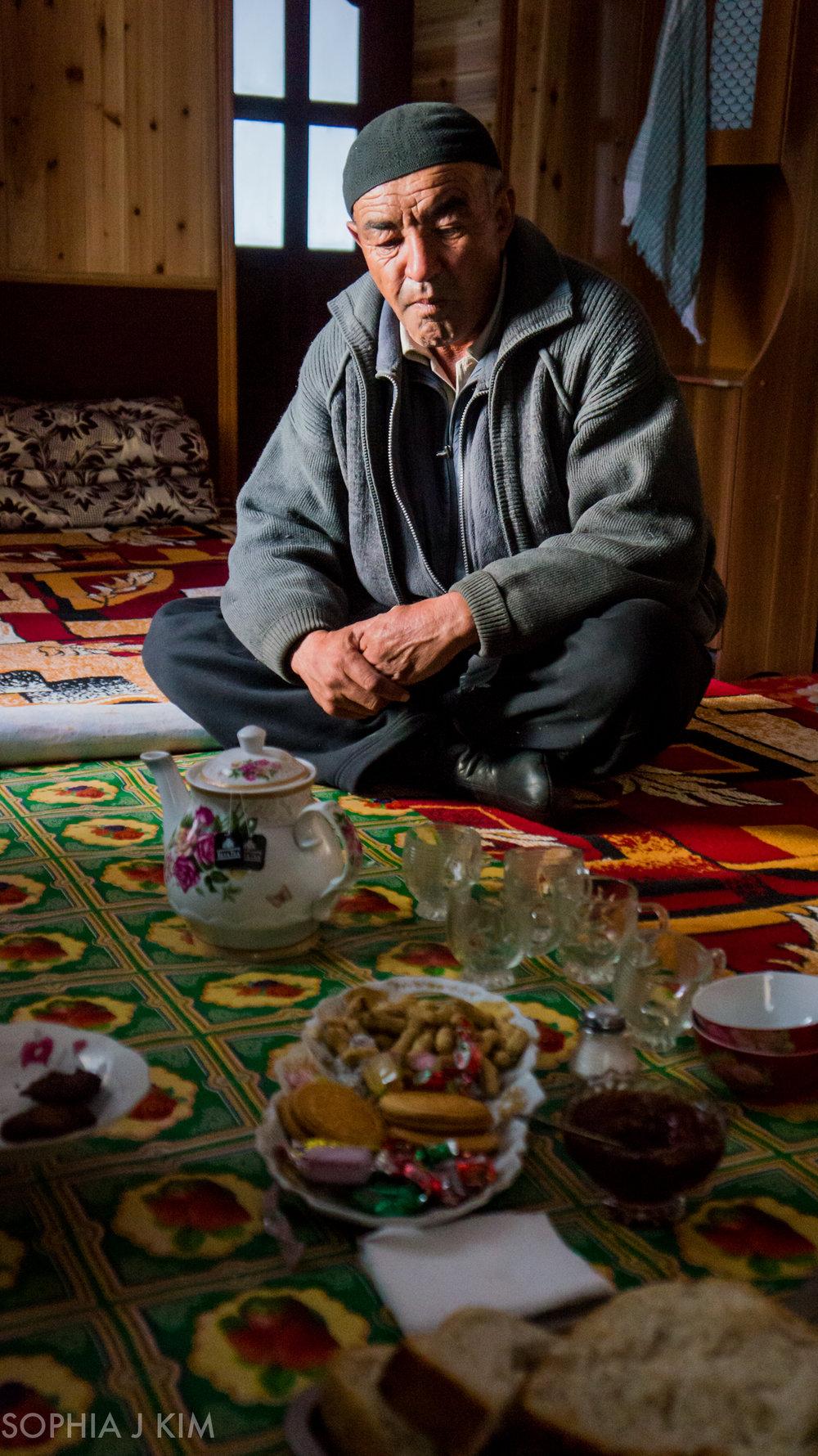 Tajik-Kyrgyz Driver, Pamir Highway, Tajikistan