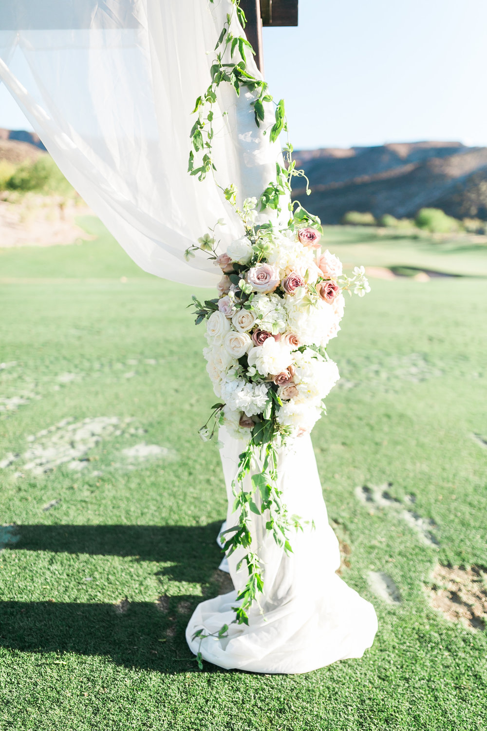 Blush and mauve wedding in Las Vegas