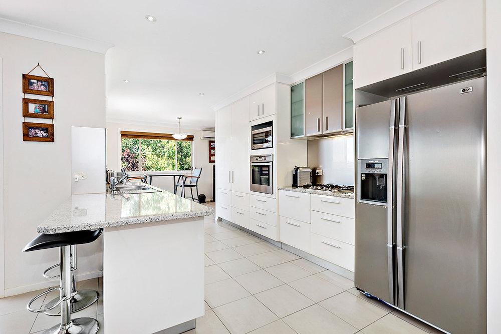 2-Kitchen-web.jpg