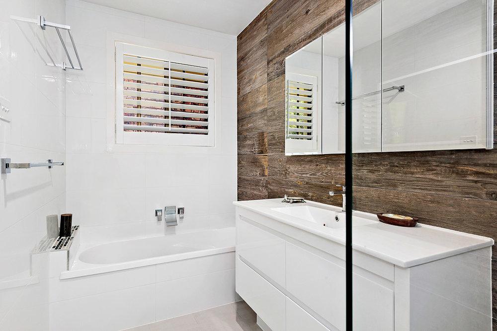 5-Bathroom-web.jpg