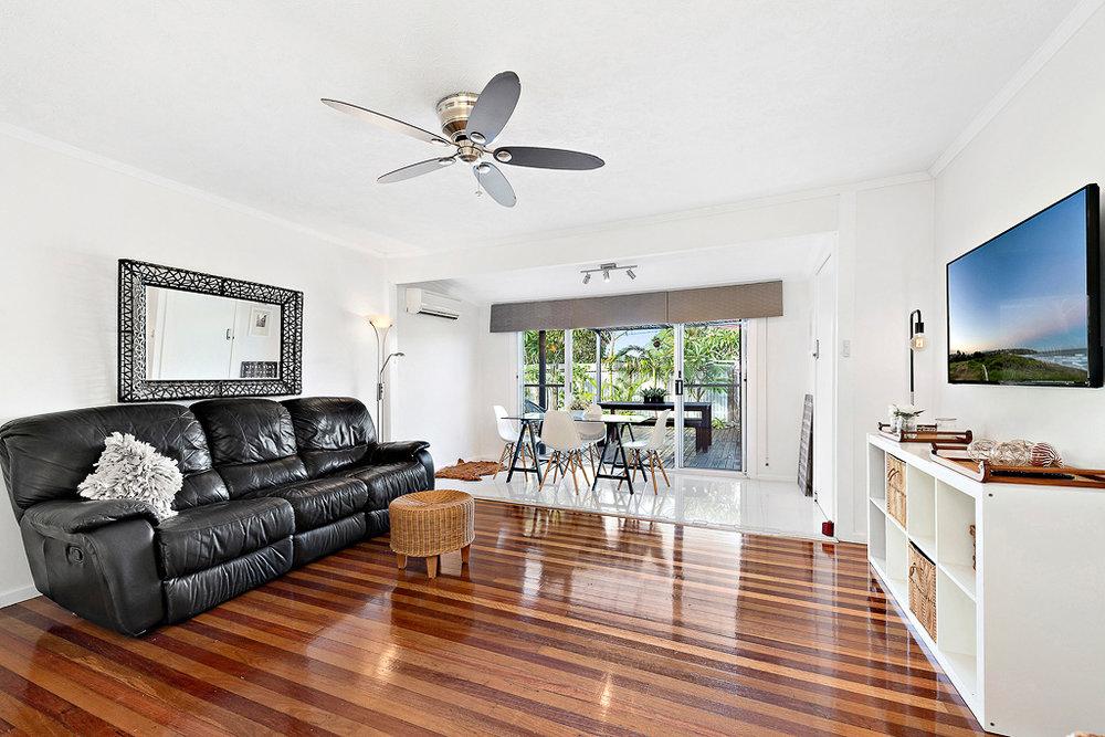 4-Living Room.jpg