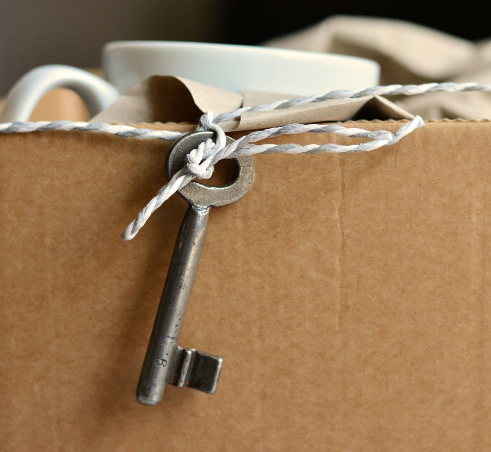 - THE ULTIMATE MOVING HOUSE CHECKLIST