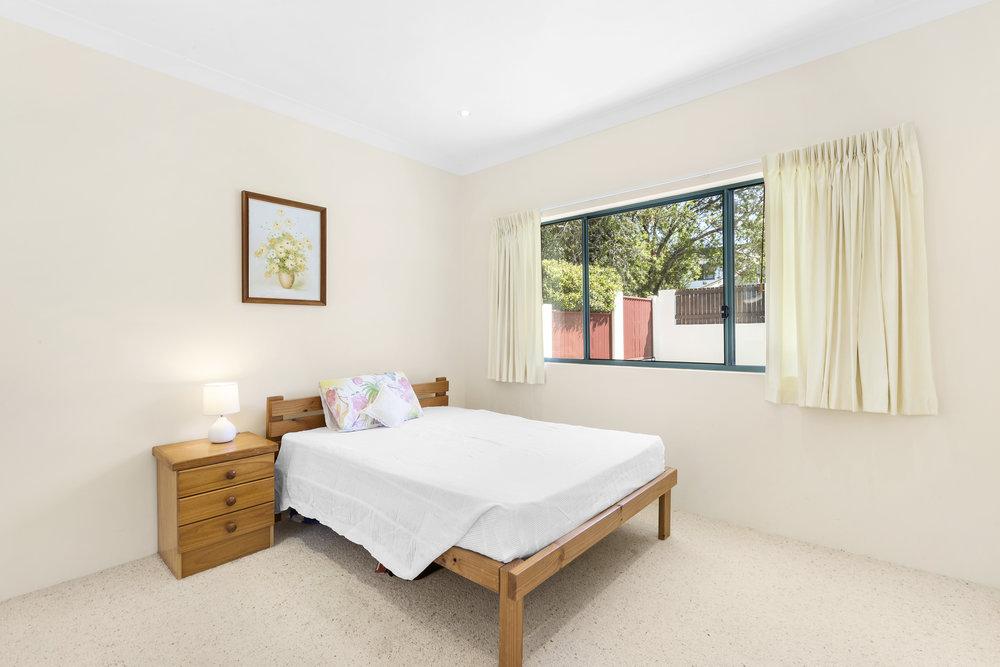 8-Bedroom.jpg