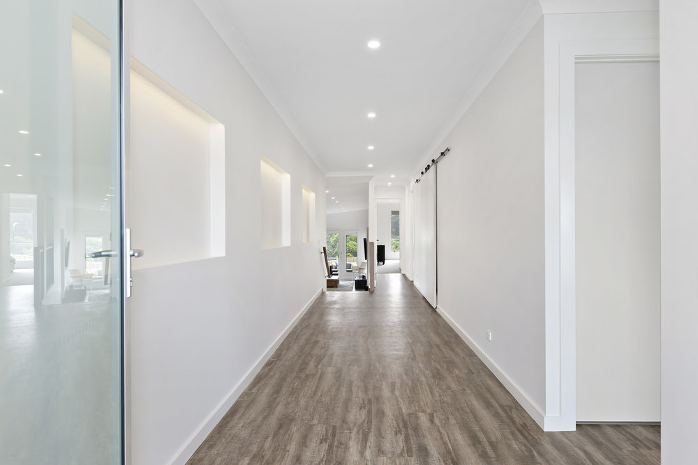 8-Hallway.jpg
