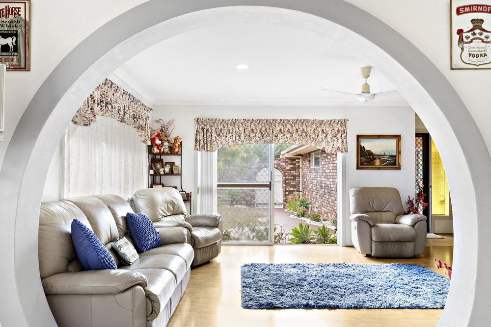 7-Living Room.jpg