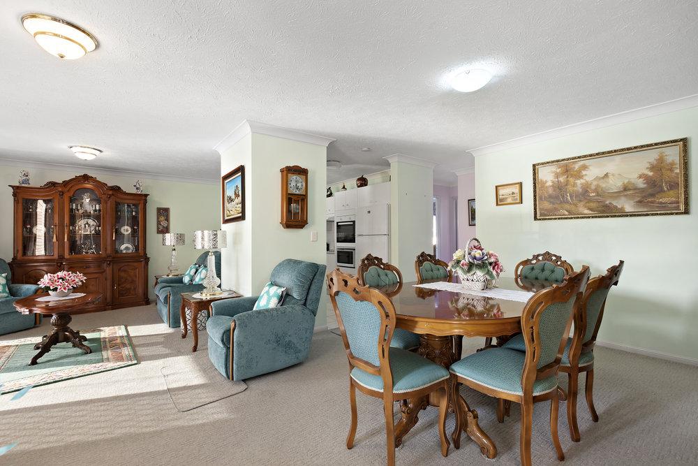 9-Dining Room.jpg