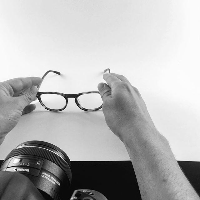 """Mise en beauté 💄et shooting des """"petits"""" @lunettesbalthazar 🤓 avec @arnaudteicher"""