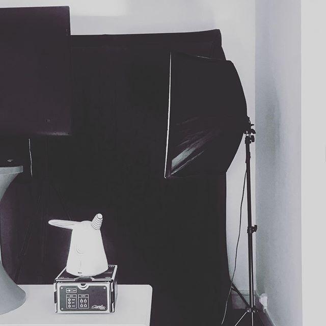 En mode fabrication d'un studio Vidéo avec fonds interchangeables et prompteur connecté en mode #DIY #vlog #iot #startup #frenchtech