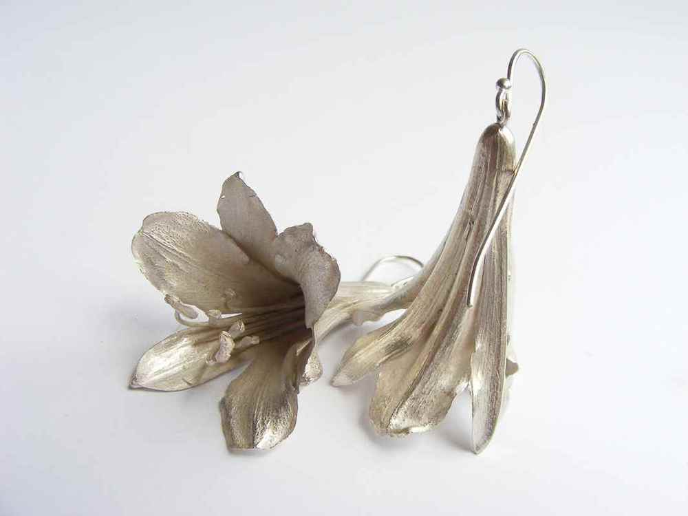 Agapanthus earrings silver with movement NBE064 & NBE065.jpg