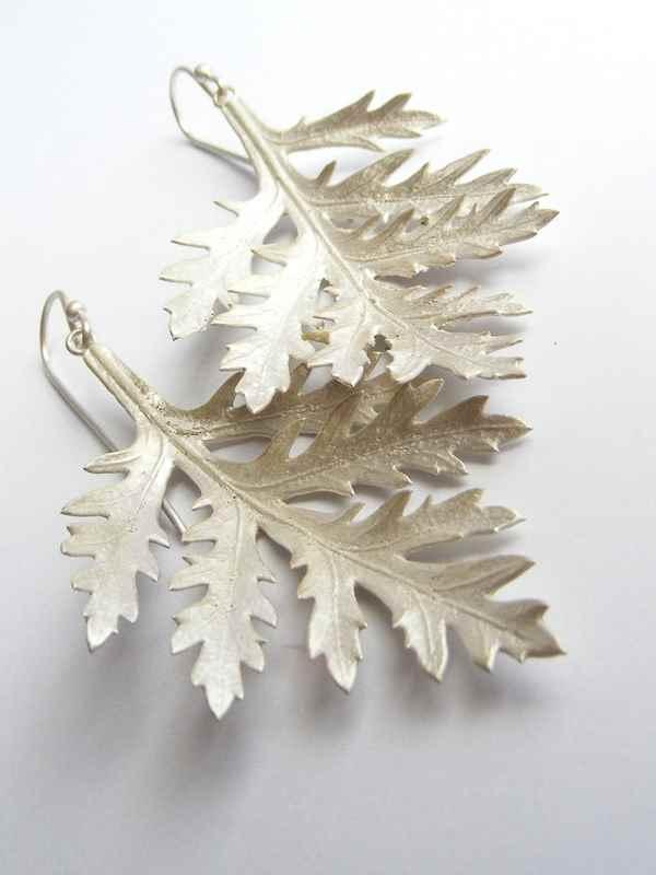 Daisy  leaf earrings NBE016.jpg