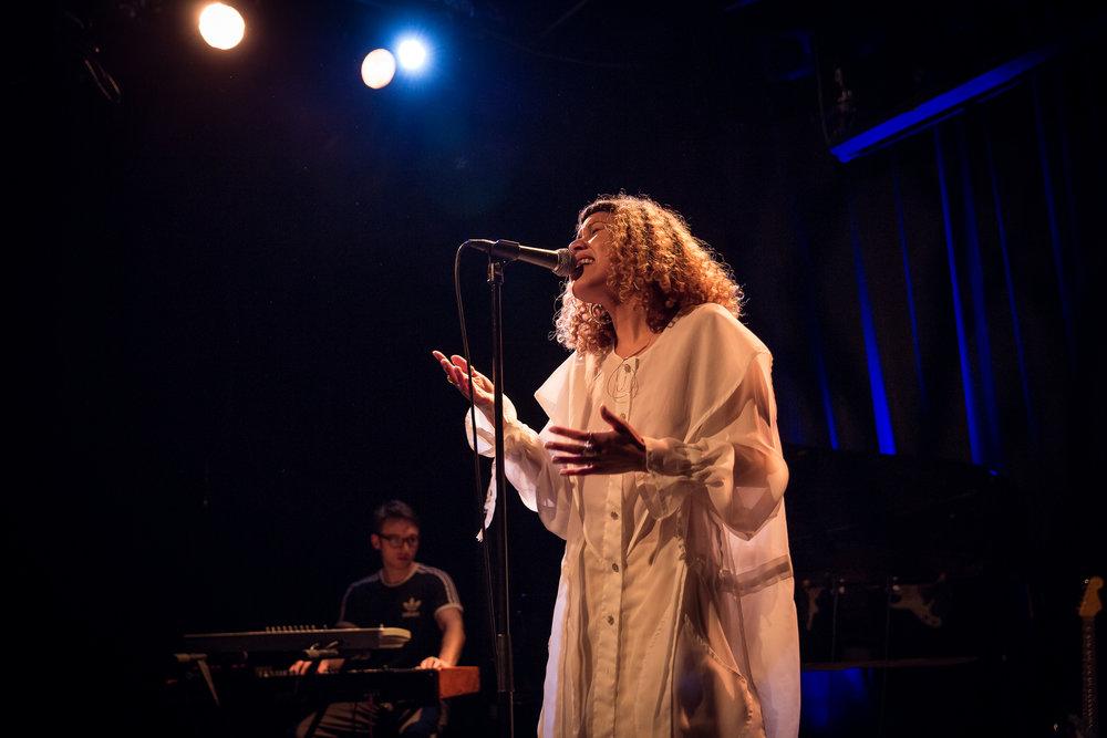 Charlotte Dos Santos live at Victoria Nasjonal Jazzscene