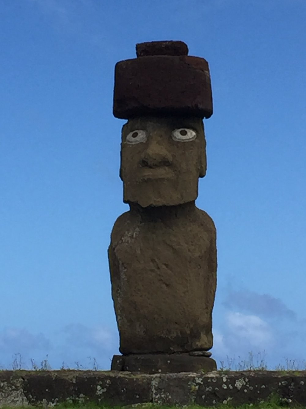 MOAI with top knot
