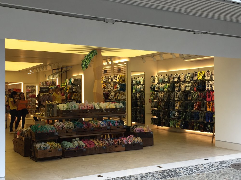 Flip flop stores - they are everywhere