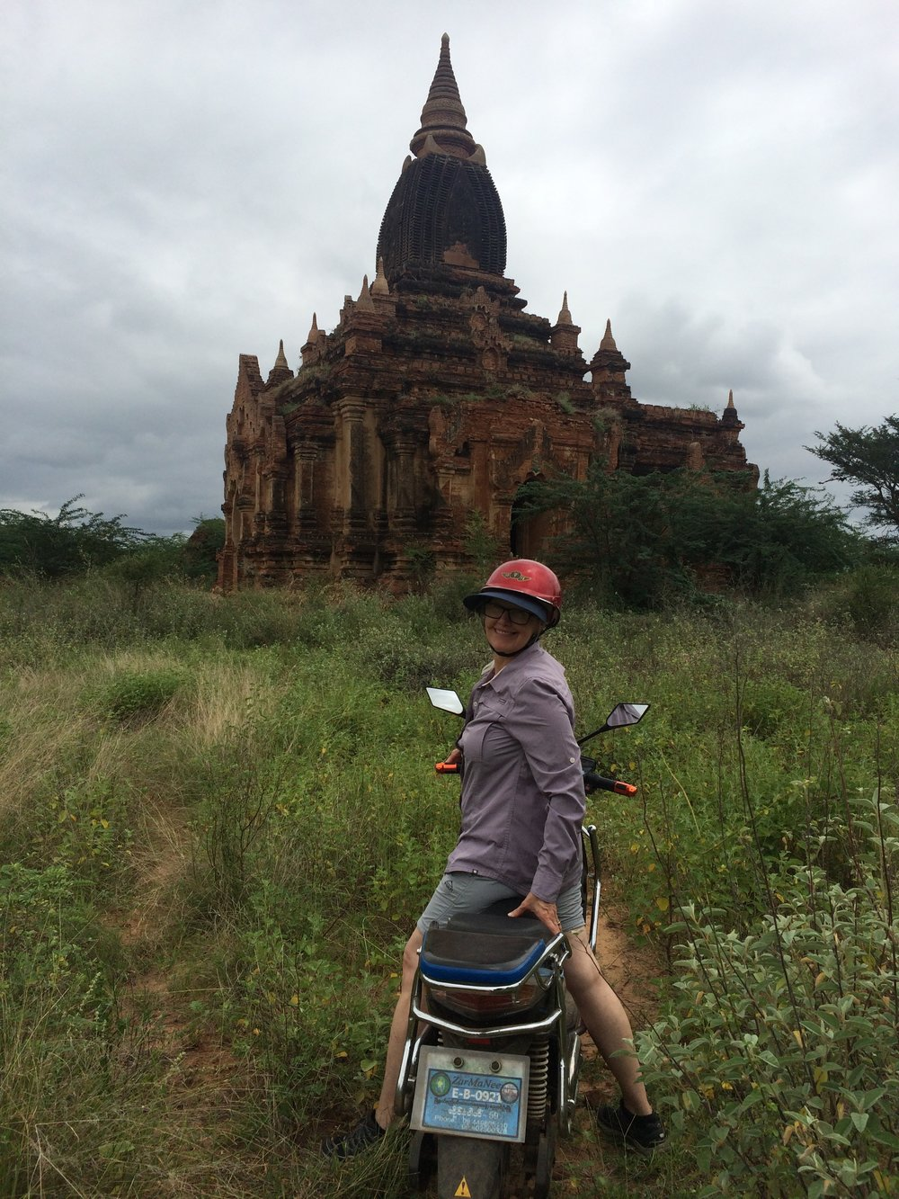 Crossing the fields to the temples