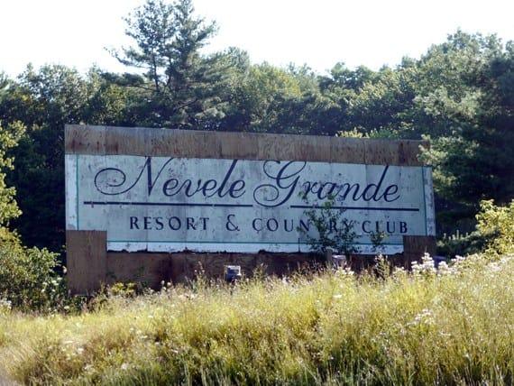 nevele-grand-billboard.jpg