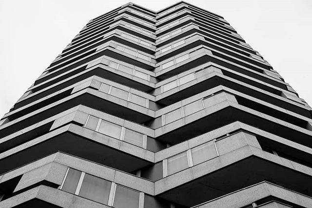 croydon symmetry  #blackandwhite #blackandwhitephotography  #blackandwhitephoto #bnw #monochrome #mono #architecture #archidaily #architecturelovers #architecturephotography #archdaily #archilovers #architektur #ig_architecture #bw #arquitectura #arquitecturamoderna #modernistarchitecture #londonarchitecture #londonbuildings #britisharchitecture #buildinglover #buildinglovers #buildingporn #lookingup_architecture #lookingup #croydon #symmetrical #symmetry #symmetrykillers