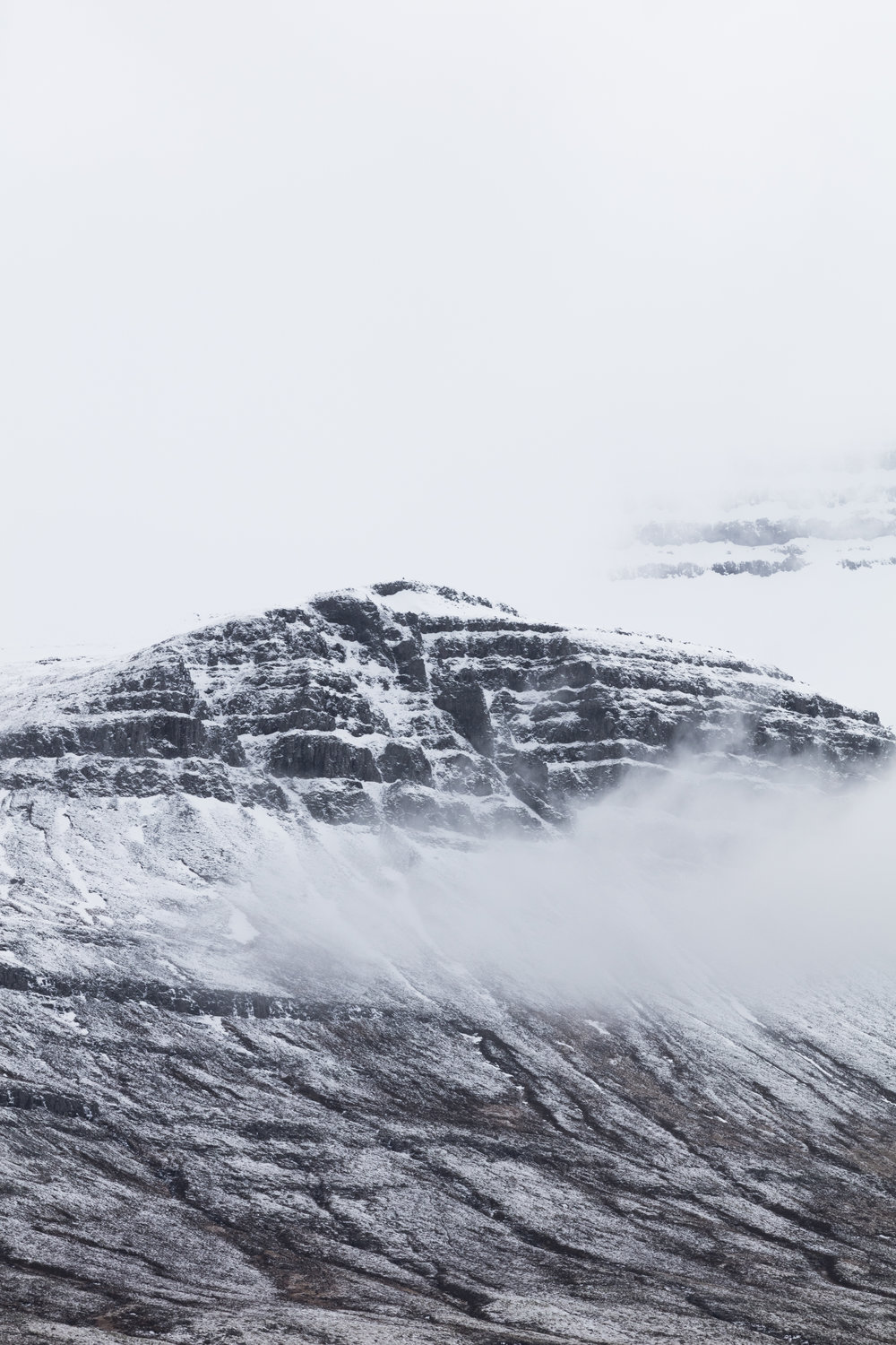 Low hanging clouds | East Iceland - Faune