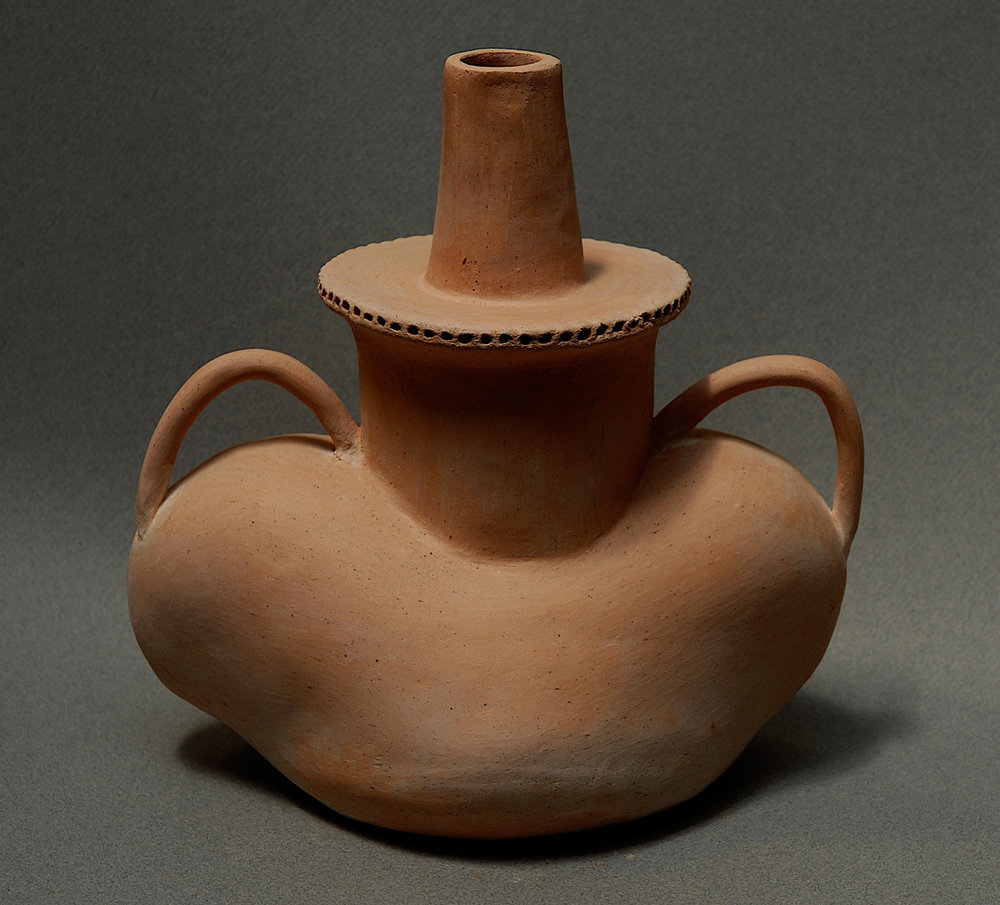 SPOUT VESSEL WITH TWO HANDLES