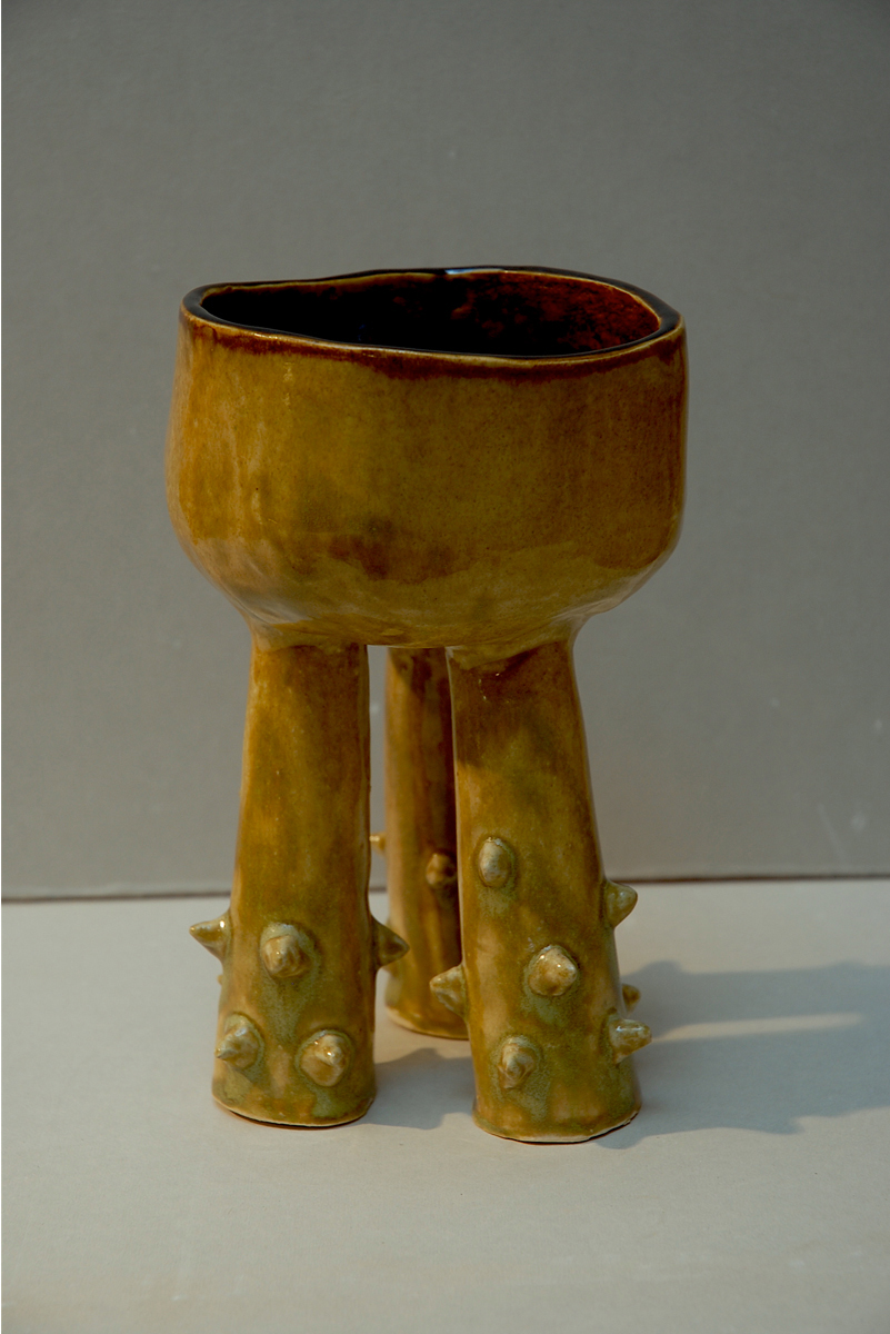 THORN LEGGED VESSEL