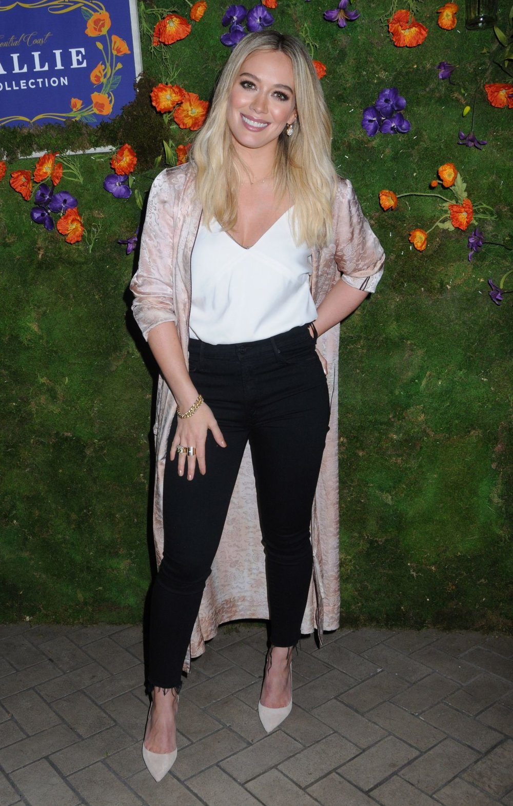 hilary-duff-launch-of-callie-collection-wines-in-the-north-cabana-at-la-sirena-in-nyc-3-7-2017-1.jpg