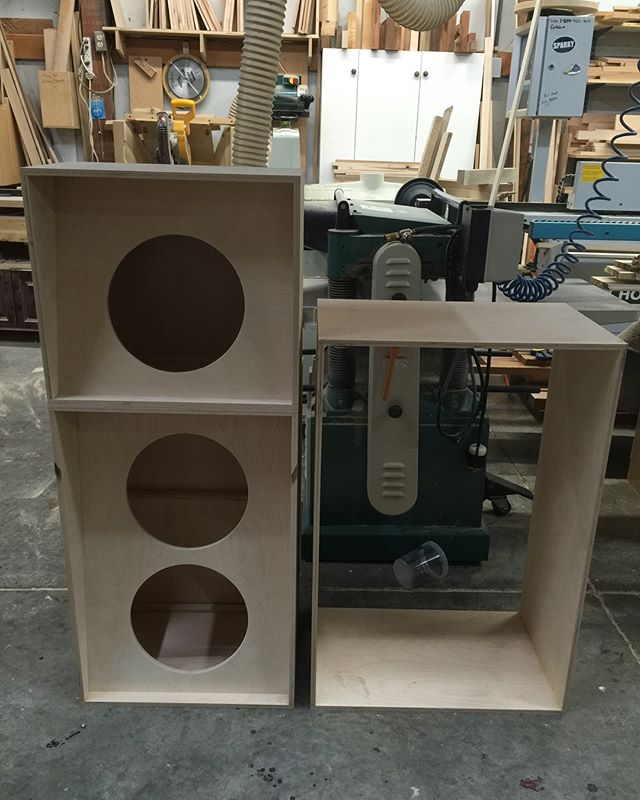 Vertical 2x12, 1x12, and 2x15 size comparison! #sirensound #guitar #bass
