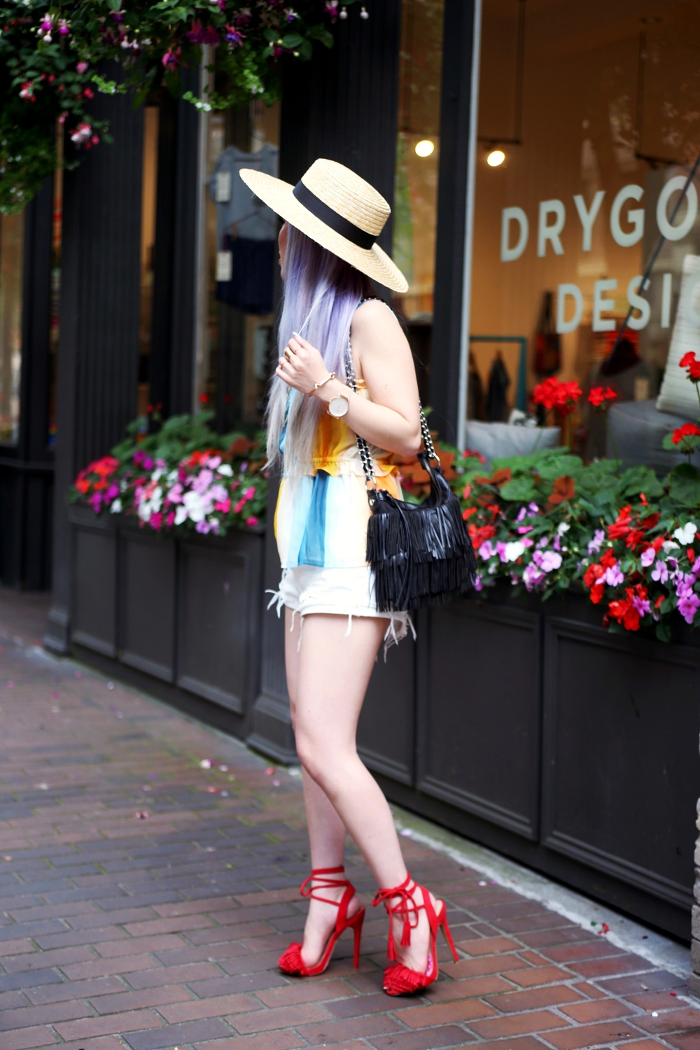 Lack Of Color The Spencer Wide Brimmed Hat_H&M chiffon top_Sincerely Jules Stone Cut Off shorts_Fringe Bag_JustFab Red Fringe Sandals_Marc Bale Rose Gold Watch_Lavender Hair_Aikas Love Closet_Seattle Fashion Blogger from Japan 2