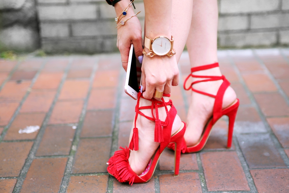JustFab Red Fringe Sandals_Marc Bale Rose Gold Watch_Lavender Hair_Aikas Love Closet_Seattle Fashion Blogger from Japan