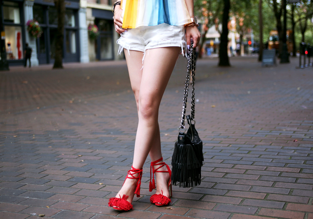 Sincerely Jules Stone Cut Off shorts_Fringe Bag_JustFab Red Fringe Sandals_Marc Bale Rose Gold Watch_Lavender Hair_Aikas Love Closet_Seattle Fashion Blogger from Japan
