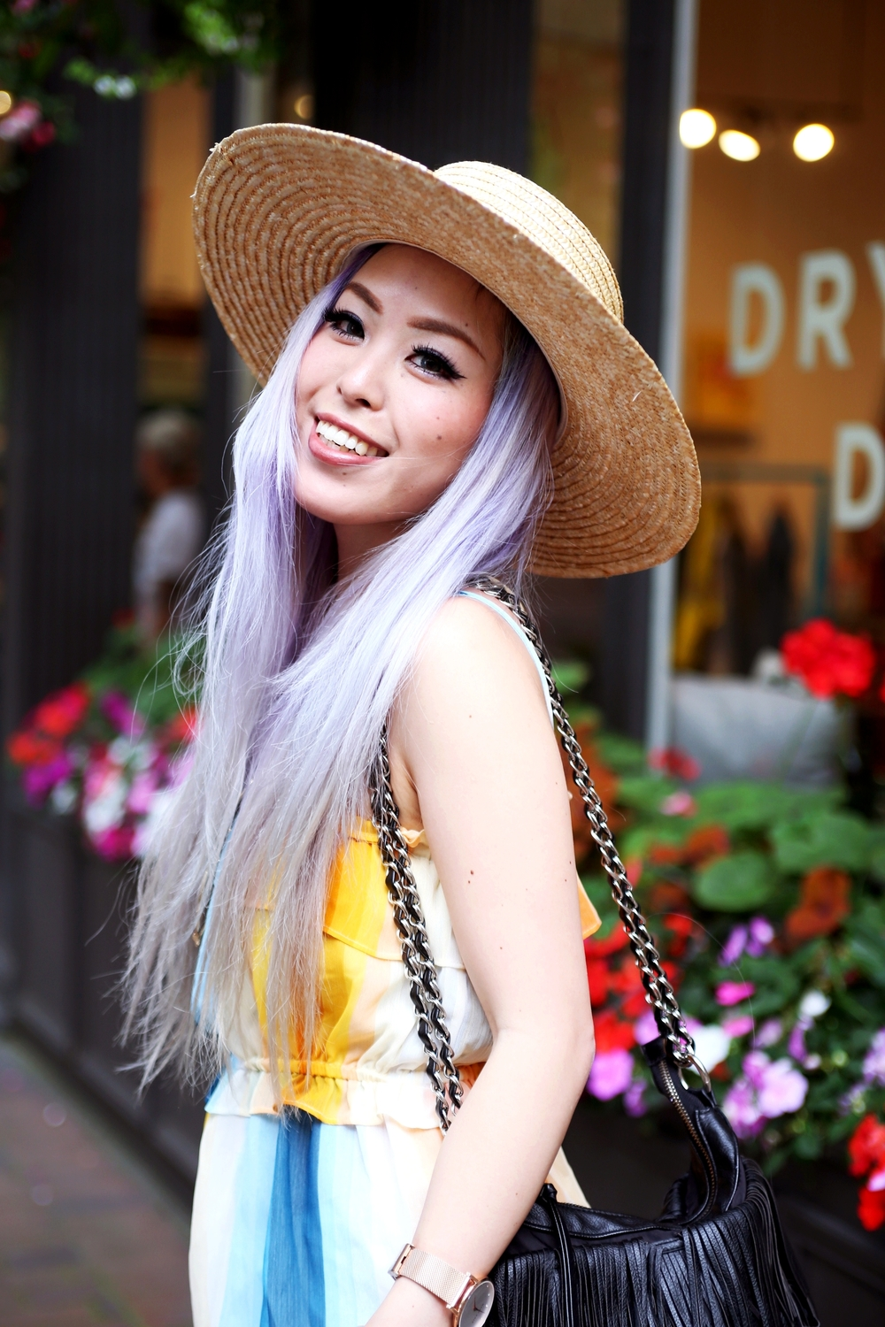 Smile is contagious_Lack Of Color The Spencer Wide Brimmed Hat_H&M chiffon top_Sincerely Jules Stone Cut Off shorts_Fringe Bag_JustFab Red Fringe Sandals_Marc Bale Rose Gold Watch_Lavender Hair_Aikas Smile is contageious Love Closet_Seattle Fashion Blogger from Japan