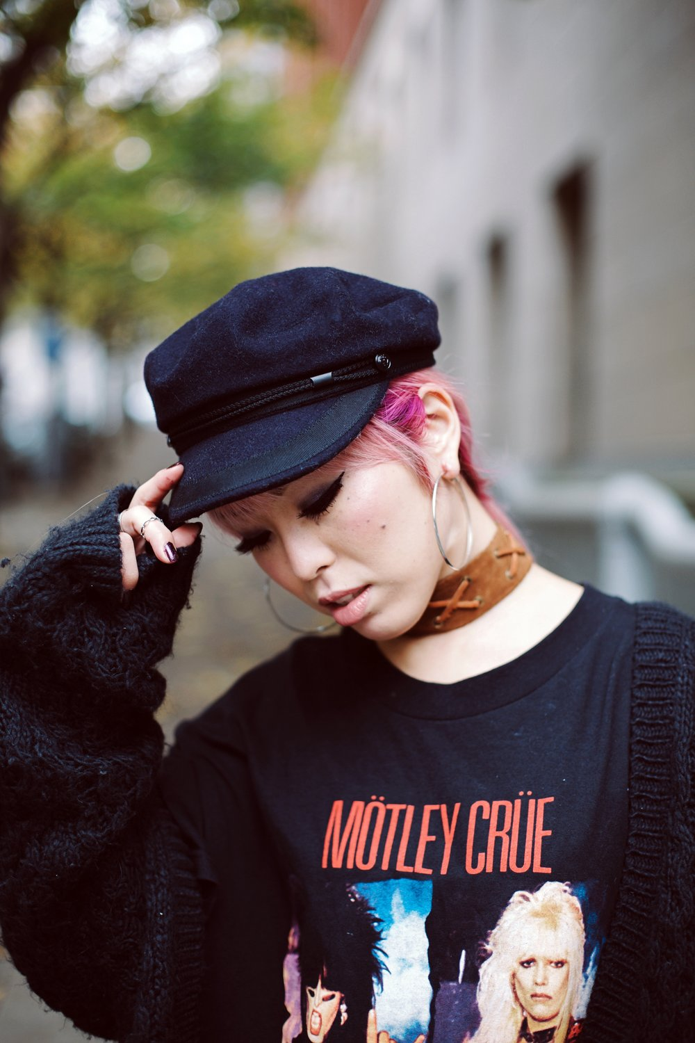 Isabel Marant Hat-Forever 21 hoop earrings-Free People Double Crossed Suede Choker-Vintage Rock T-shirt-Zara sheer top & EMBROIDERED CLUTCH-H&M Chunky Cardigan-Aika's love Closet-Seattle Fashion Blogger-Japanese-Pink hair-Colored Hair 2