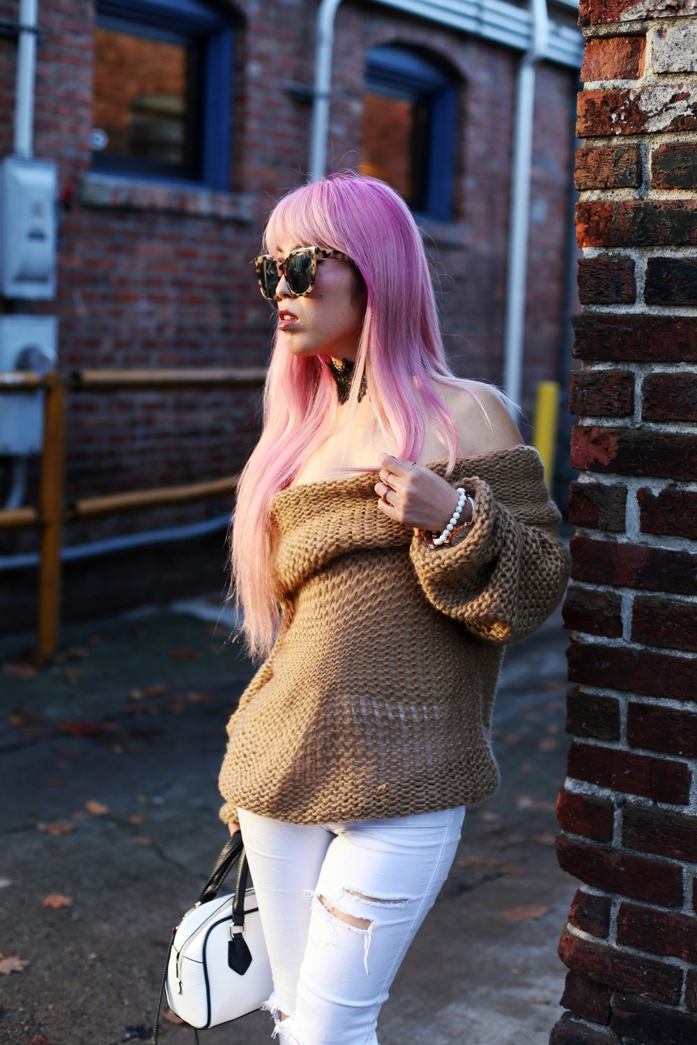 Urban Outfitters Sunglasses_Camel Off The Shoulder Sweater_TOPSHOP white jeans_ZARA Bag_ASOS Snake Skin Heels_Shop Dixi Lace Choker_Aika's Love Closet_Seattle Fashion Blogger_Japanese_Pink Hair_Colored Hair 4