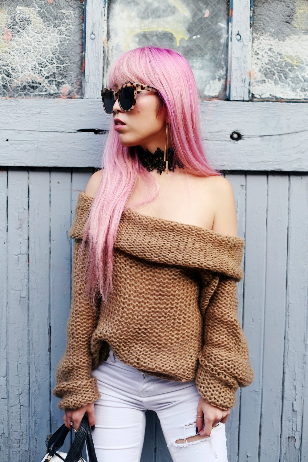 Urban Outfitters Sunglasses_Camel Off The Shoulder Sweater_TOPSHOP white jeans_ZARA Bag_ASOS Snake Skin Heels_Shop Dixi Lace Choker_Aika's Love Closet_Seattle Fashion Blogger_Japanese_Pink Hair_Colored Hair 18