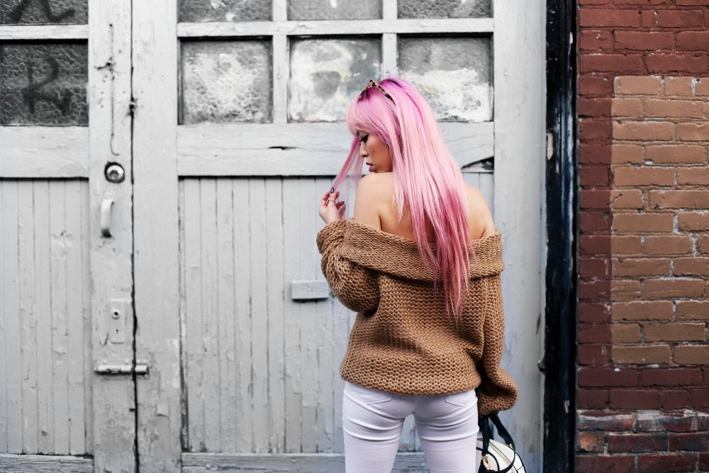 Urban Outfitters Sunglasses_Camel Off The Shoulder Sweater_TOPSHOP white jeans_ZARA Bag_ASOS Snake Skin Heels_Shop Dixi Lace Choker_Aika's Love Closet_Seattle Fashion Blogger_Japanese_Pink Hair_Colored Hair 19