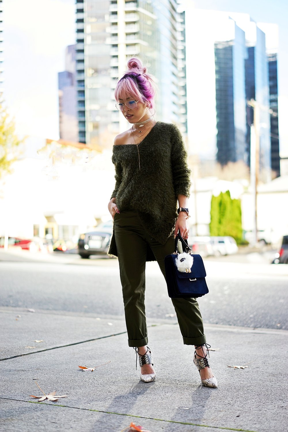 H&M olive chunky sweater-H&M cropped trousers-ASOS python lace-up pumps-ZARA navy velvet bag-mango earrings-Daniel Wellington Watch-Clear Lens aviator-Aika's Love Closet-Seattle Style blogger-japanese-pink hair-colored hair 2