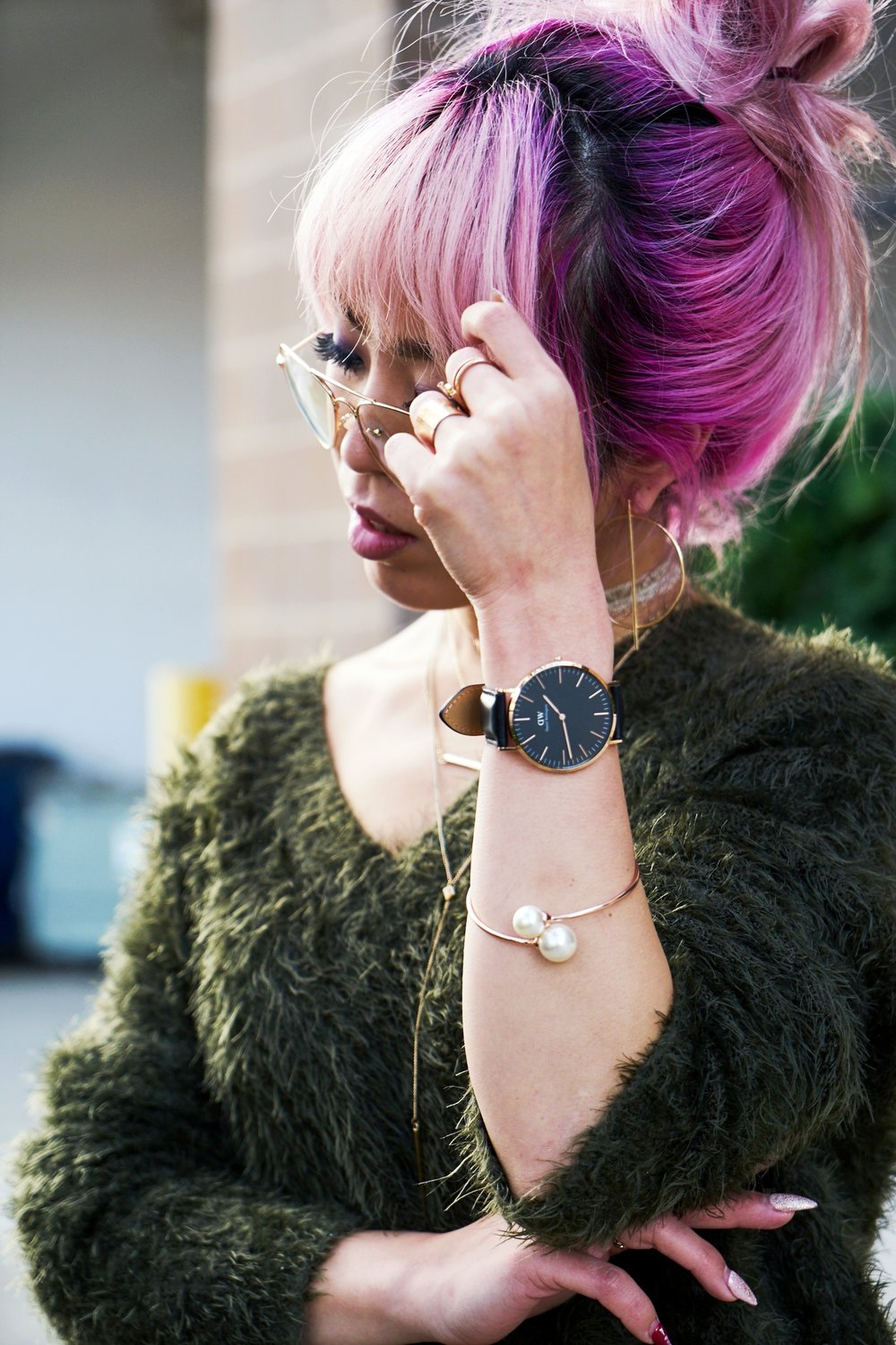 H&M olive chunky sweater-H&M cropped trousers-ASOS python lace-up pumps-ZARA navy velvet bag-mango earrings-Daniel Wellington Watch-Clear Lens aviator-Aika's Love Closet-Seattle Style blogger-japanese-pink hair-colored hair 8