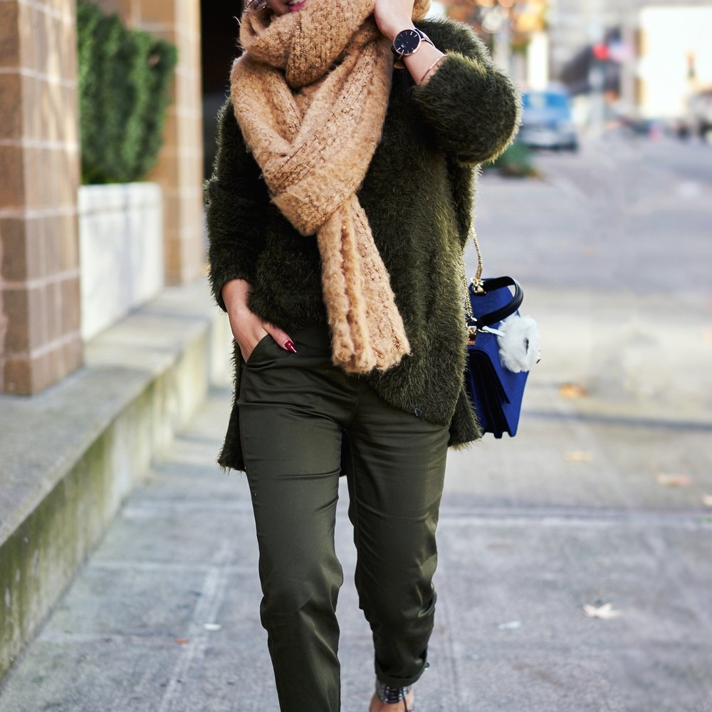 ASOS Oversized Scarf-H&M olive chunky sweater-H&M cropped trousers-ASOS python lace-up pumps-ZARA navy velvet bag-mango earrings-Daniel Wellington Watch-Clear Lens aviator-Aika's Love Closet-Seattle Style blogger-japanese-pink hair-colored hair 9