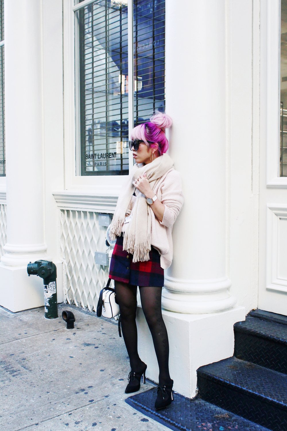 Urban Outfitters Cat eye sunglasses-Zara Blush Sweater-H&M scarf-Plaid Mini Skirt-ASOS black mules-zara mini bag-Aika's Love Closet-Seattle Fashion blogger-Japanese-Pink hair-Colored Hair-nyc soho 4