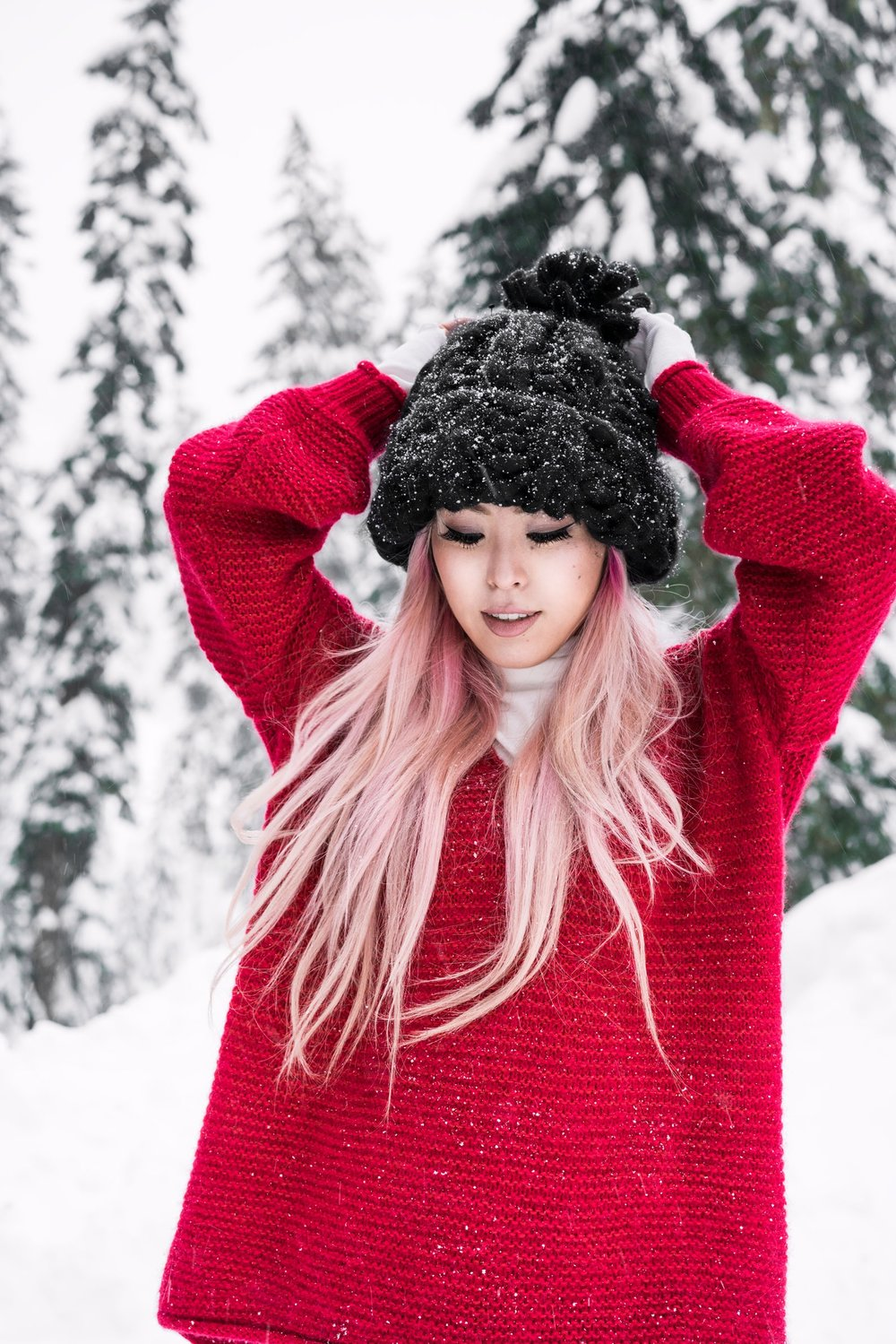 Free people All Mine Sweater, Free People Modern Cuff Layering Top, Free People Ace High Rise Jeans, Free People Bobbi Chunky Pom Beanie, EGO Ankle Boots, Aika's Love Closet, Seattle Fashion Blogger from Japan, Pink Hair 7