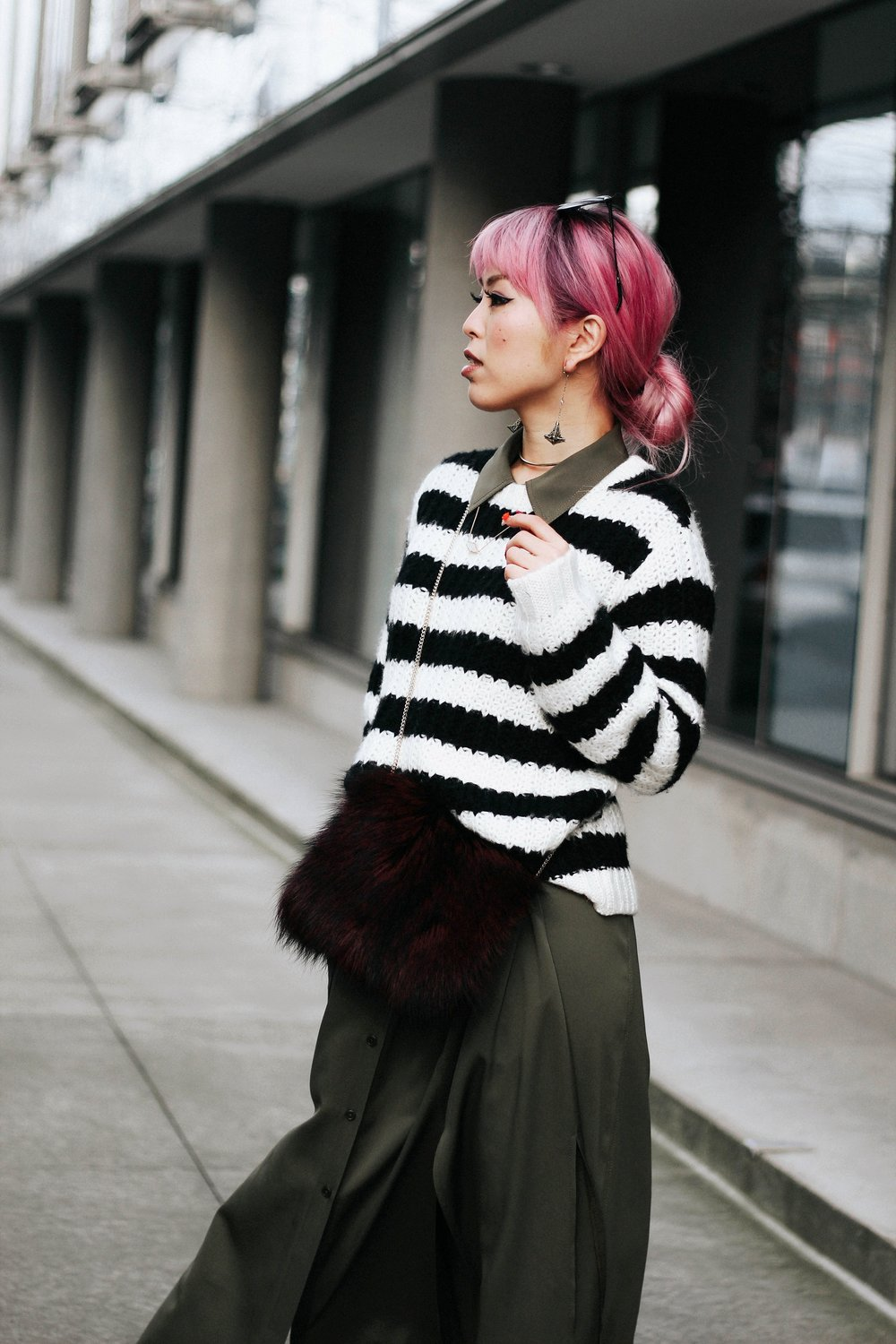 Who What Wear Striped Sweater_DVF Clarise Midi Shirt Dress_DVF Fur Bag_Kendra Scott Diana Shoulder Duster Earrings In Antique Brass_Amazon Fishnet Tights_ZARA ASYMMETRIC LEATHER HIGH HEEL SHOES_Aikas Love Closet_Seattle Fashion Blogger_japanese_Pink Hair 7