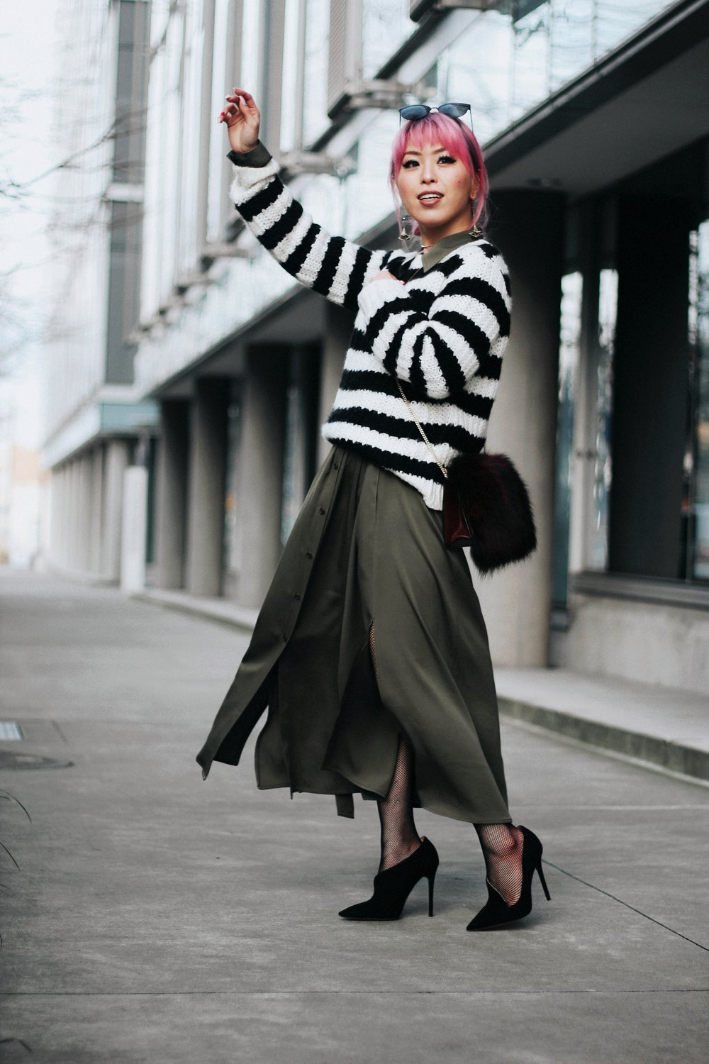 Who What Wear Striped Sweater_DVF Clarise Midi Shirt Dress_DVF Fur Bag_Kendra Scott Diana Shoulder Duster Earrings In Antique Brass_Amazon Fishnet Tights_ZARA ASYMMETRIC LEATHER HIGH HEEL SHOES_Aikas Love Closet_Seattle Fashion Blogger_japanese_Pink Hair 10