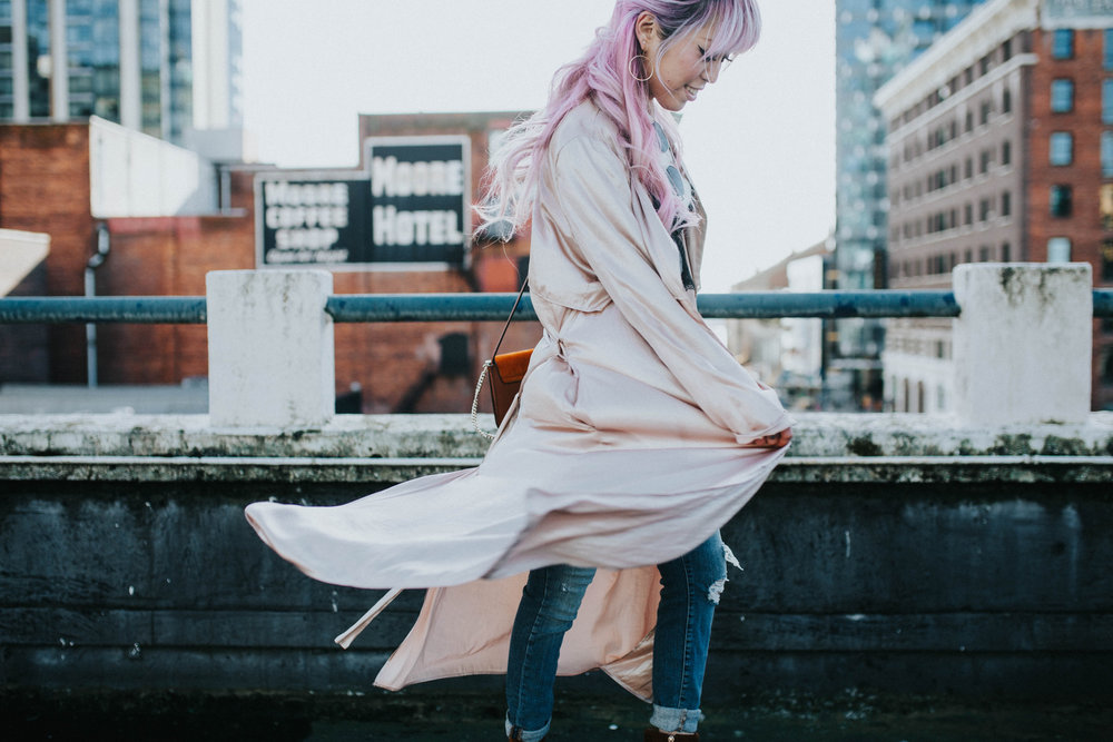 Mango Pink Metallic Trench Coat_ZARA White mock neck top_ZARA lace bralette_J Brand skinny jeans_Chloe Mini Faye Leather Shoulder Bag_Ego Ankle Boots_Free People Aviator Sunglasses_Argento Vivo Earrings_Aikas Love Closet_Seattle Style Fashion Blogger_Japanese_Pink hair 5