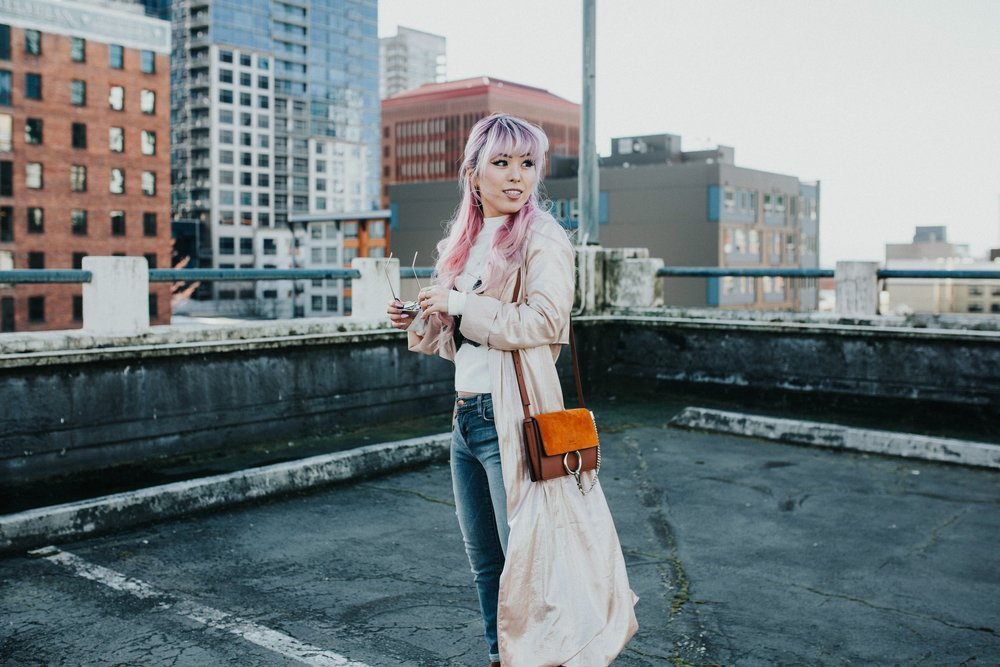 Mango Pink Metallic Trench Coat_ZARA White mock neck top_ZARA lace bralette_J Brand skinny jeans_Chloe Mini Faye Leather Shoulder Bag_Ego Ankle Boots_Free People Aviator Sunglasses_Argento Vivo Earrings_Aikas Love Closet_Seattle Style Fashion Blogger_Japanese_Pink hair 15