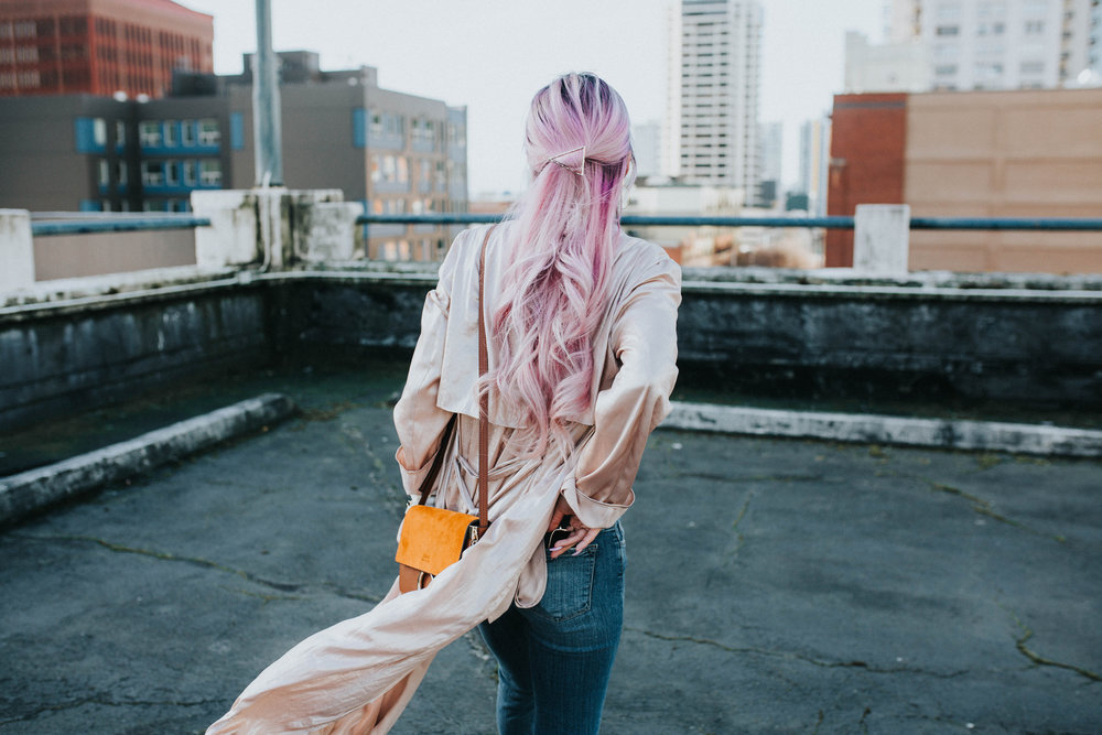 Mango Pink Metallic Trench Coat_ZARA White mock neck top_ZARA lace bralette_J Brand skinny jeans_Chloe Mini Faye Leather Shoulder Bag_Ego Ankle Boots_Free People Aviator Sunglasses_Argento Vivo Earrings_Aikas Love Closet_Seattle Style Fashion Blogger_Japanese_Pink hair 16