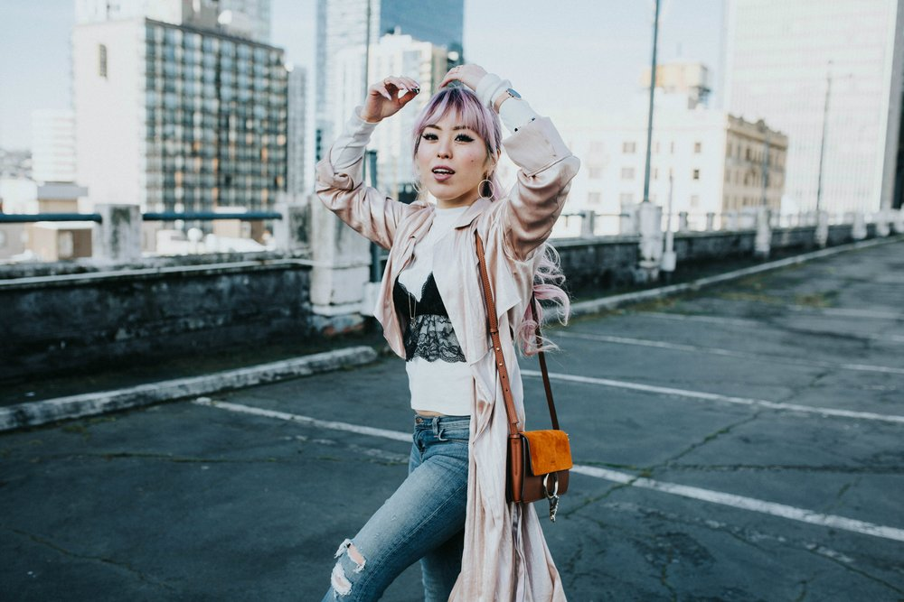Mango Pink Metallic Trench Coat_ZARA White mock neck top_ZARA lace bralette_J Brand skinny jeans_Chloe Mini Faye Leather Shoulder Bag_Ego Ankle Boots_Free People Aviator Sunglasses_Argento Vivo Earrings_Aikas Love Closet_Seattle Style Fashion Blogger_Japanese_Pink hair 21