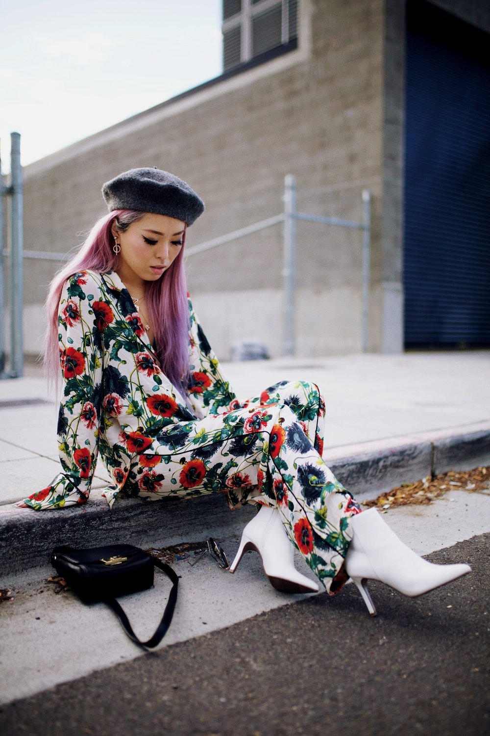 H&M Floral Pajama-Forever 21 Gray Beret & White Ankle Boots-Swarovski Earrings & Necklaces-Pink hair-Petite-Fashion Style Seattle Blogger From Japan