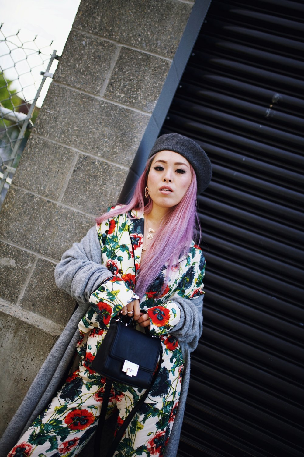 Moussy Gray Long Cardigan-Free People Sunglasses-H&M Floral Pajama-Forever 21 Gray Beret & White Ankle Boots-Swarovski Earrings & Necklaces-Pink hair-Aika's Love Closet-Petite-Fashion Style Seattle Blogger From Japan